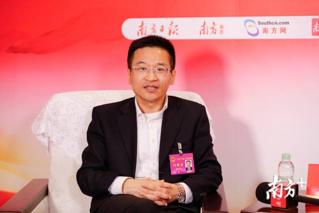 广东省科技厅厅长龚国平